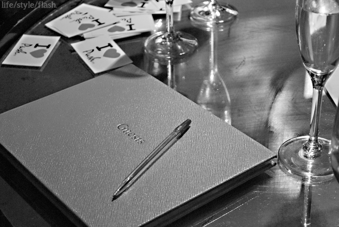 Guestbook and champagne