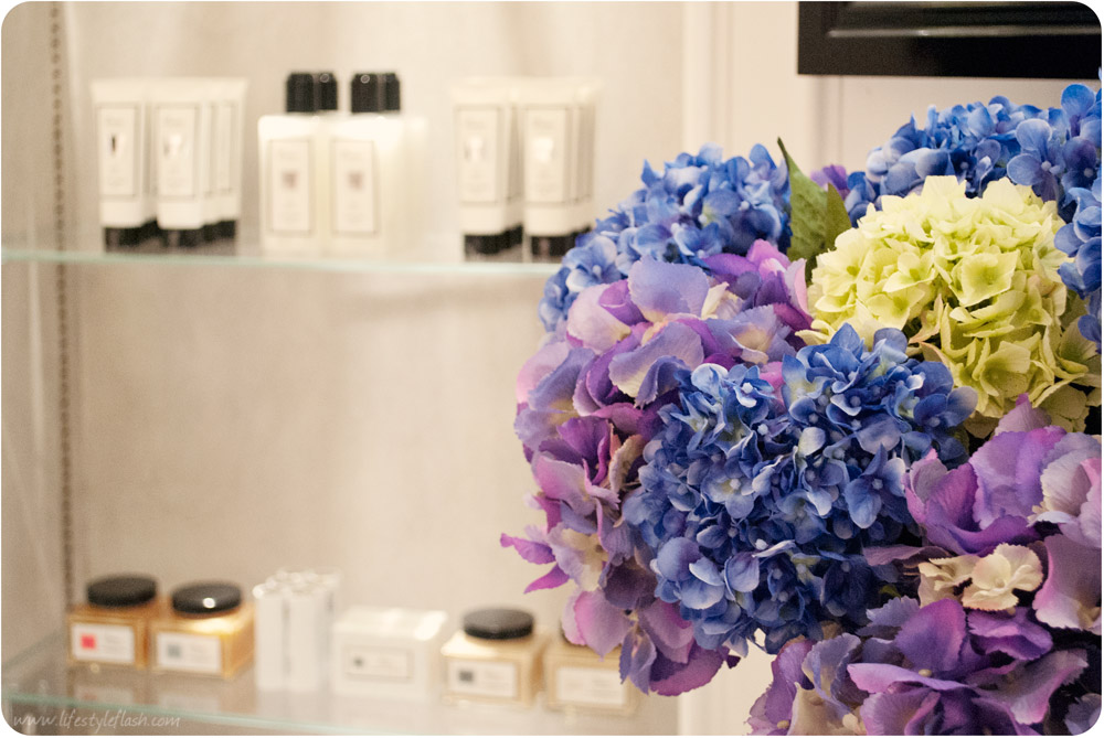 Boux Avenue Westfield London - waiting room flowers, beauty products and accessories
