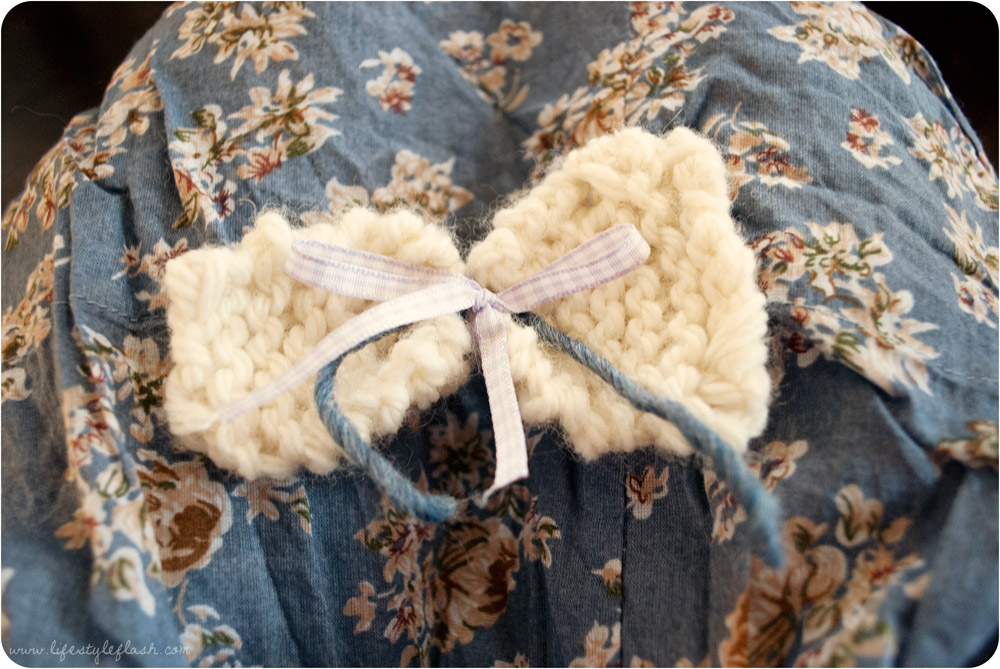 Wish launch party - my handknitted bow brooch