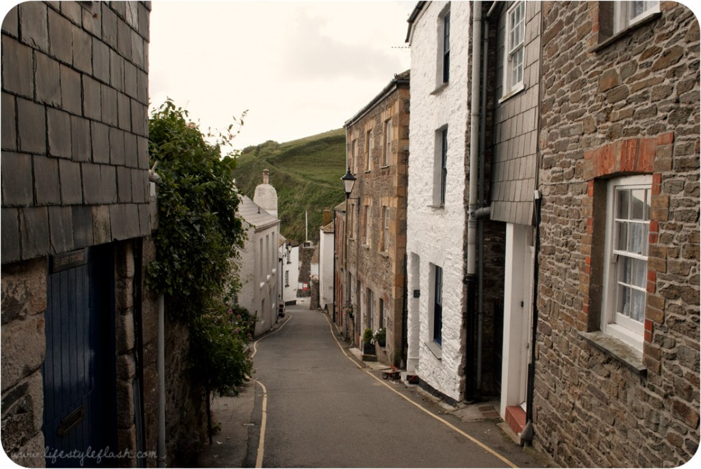 Cornwall: a narrow street in Gorran Haven