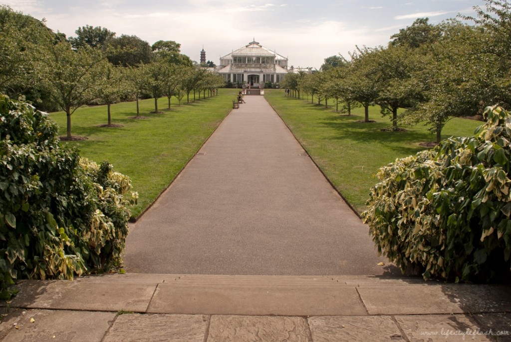 Kew Gardens: the path to Temperence House
