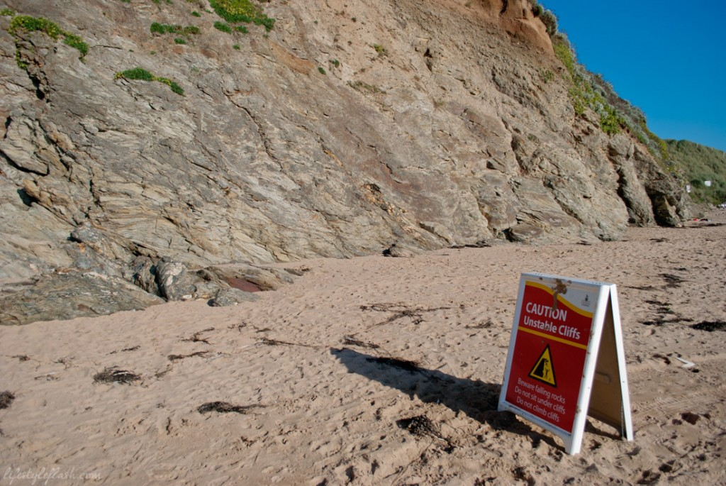 Warning sign on Mawgan Porth Beach, Cornwall