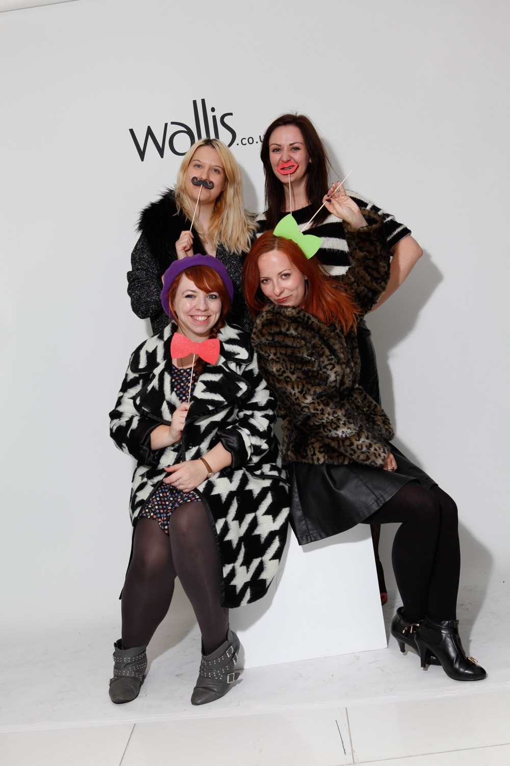 Amy (Wolf Whistle), Becky (lifestyleflash.com), Sarah (Essbeevee) and Maria (Miss Drifted Snow White) at Wallis' Christmas blogger event