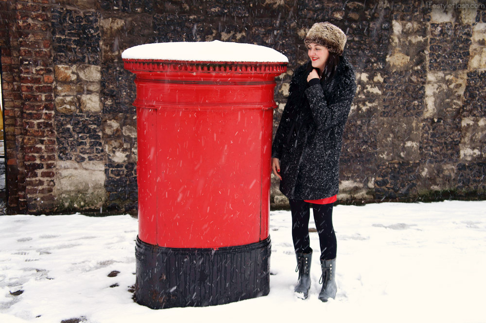 AW12 snow day outfit | Wallis tweed coat, faux fur Cossack hat, Hunter wellies